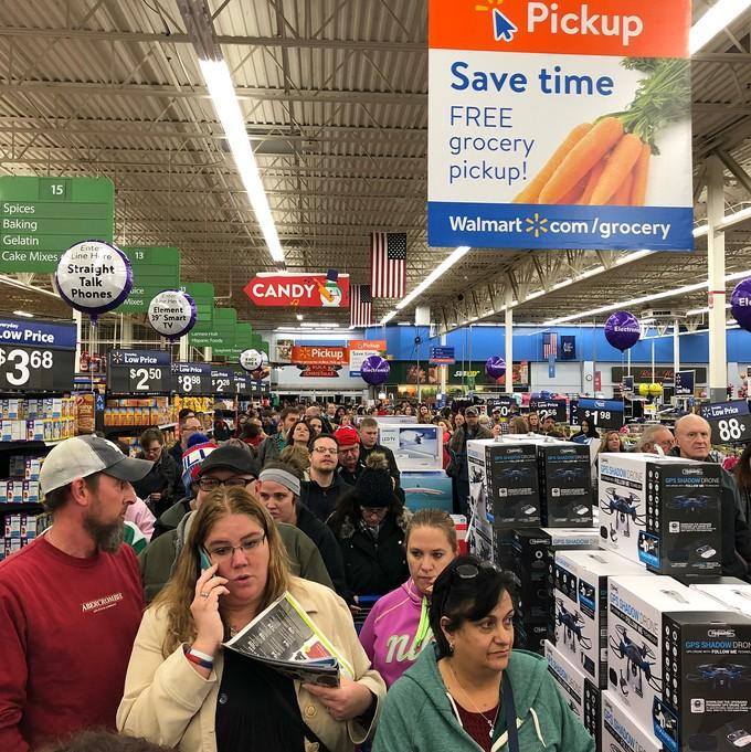 Lễ hội mua sắm lớn nhất nước Mỹ bắt đầu - ảnh 10