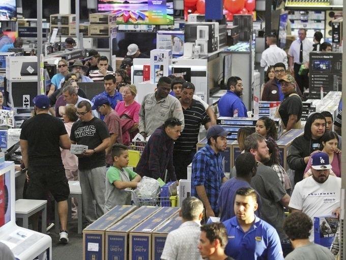 Lễ hội mua sắm lớn nhất nước Mỹ bắt đầu - ảnh 11