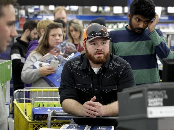 Lễ hội mua sắm lớn nhất nước Mỹ bắt đầu - ảnh 15