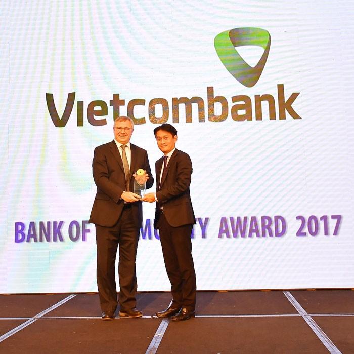 Vietcombank: Ngân hàng vì cộng đồng - ảnh 1