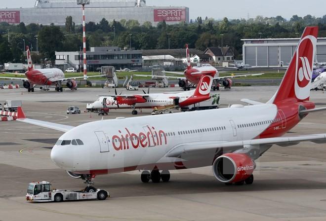 Máy bay của Air Berlin tại sân bay Duesseldorf, Tây Đức. (Nguồn: AFP/TTXVN)