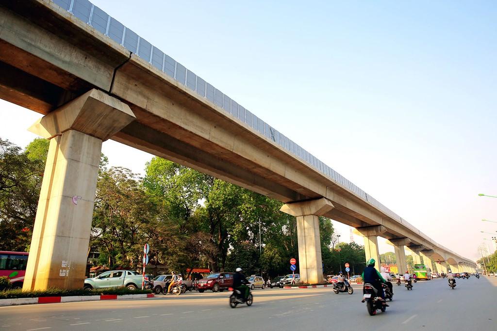 Tập đoàn Vingroup - CTCP và Công ty CP Tập đoàn T&T đều cam kết khi được giao nghiên cứu đề xuất dự án đoạn tuyến đường sắt đô thị tại Hà Nội sẽ tự nguyện ứng vốn để triển khai. Ảnh: Nhã Chi