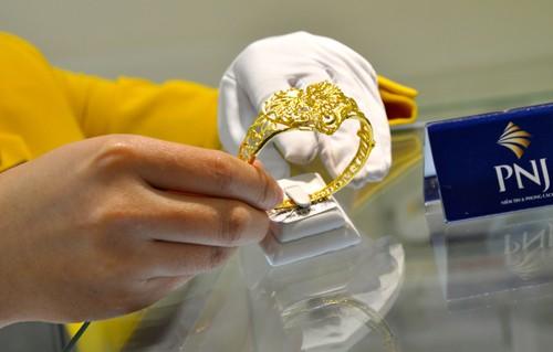 Giá vàng trong nước tăng vài chục nghìn đồng mỗi lượng sáng nay. Ảnh:Lệ Chi.