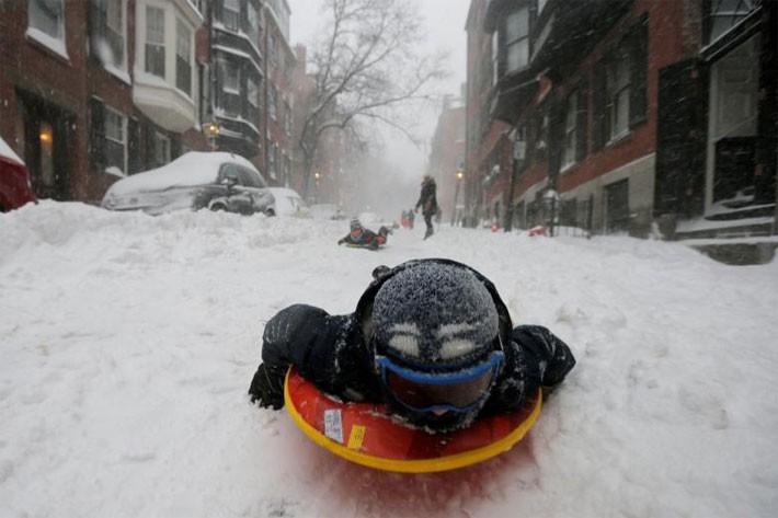 Nhiều thành phố Mỹ tê liệt vì siêu bão tuyết - ảnh 1
