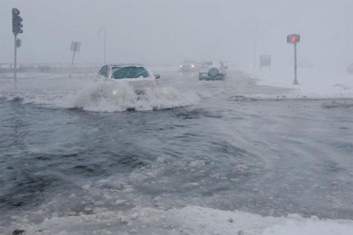 Nhiều thành phố Mỹ tê liệt vì siêu bão tuyết - ảnh 4