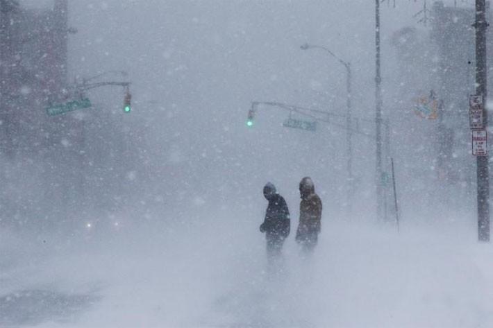 Nhiều thành phố Mỹ tê liệt vì siêu bão tuyết - ảnh 8