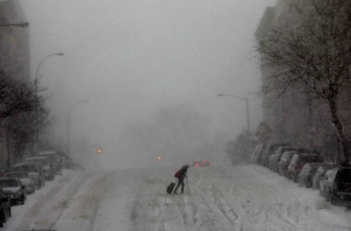 Nhiều thành phố Mỹ tê liệt vì siêu bão tuyết - ảnh 9