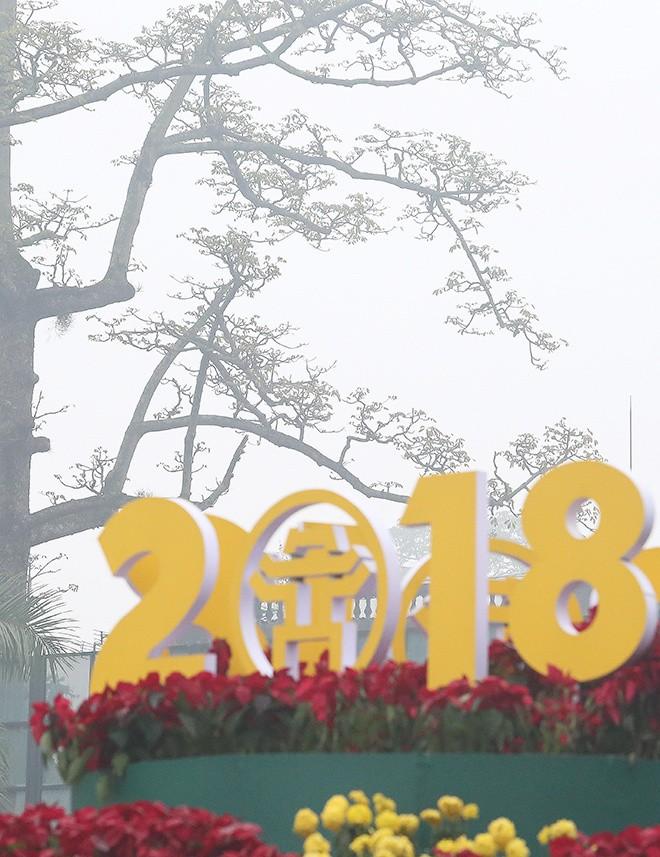 Hà Nội chìm trong sương mù - ảnh 8