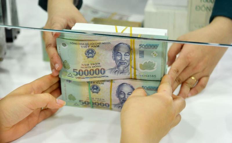 Trịnh Anh Minh huy động tiền bằng cách đưa ra mức lãi suất từ 34 - 60%/năm trong khi lãi suất ngân hàng thời điểm đó chỉ 6 - 7%/năm. Ảnh: Quang Tuấn