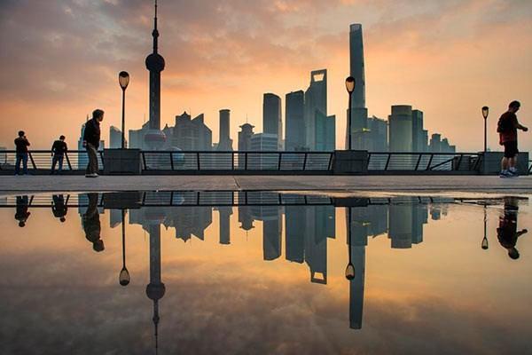 Các tòa nhà chọc trời ở Bến Thượng Hải. (Nguồn: Xinhua)