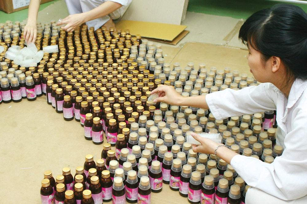 Phần việc đấu thầu thuốc tập trung thí điểm do Bảo hiểm Xã hội Việt Nam đã hoàn thành cho thấy giá thuốc giảm khoảng 20% so với kết quả đấu thầu năm 2017. Ảnh: Hoài Tâm