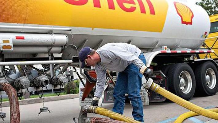 Trong bối cảnh giá dầu hồi phục, các hãng dầu lửa lớn như Shell càng đẩy mạnh việc cắt giảm chi phí, giúp lợi nhuận phục hồi nhanh hơn - Ảnh: Getty/CNBC.