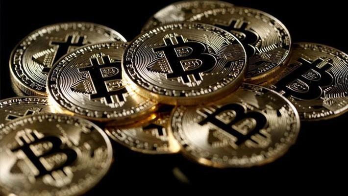 So với mức kỷ lục gần 20.000 USD thiết lập vào tháng 12, giá Bitcoin hiện đã giảm khoảng 2/3 - Ảnh: Reuters.