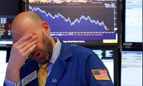 Chứng khoán Mỹ tiếp tục có phiên giảm điểm mạnh hôm qua. Ảnh:Reuters