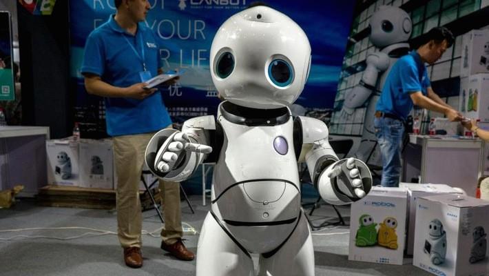 Một robot tại Triển lãm Hàng điện tử tiêu dùng Quốc tế Bắc Kinh, tháng 7/2017 - Ảnh: Getty/CNBC.