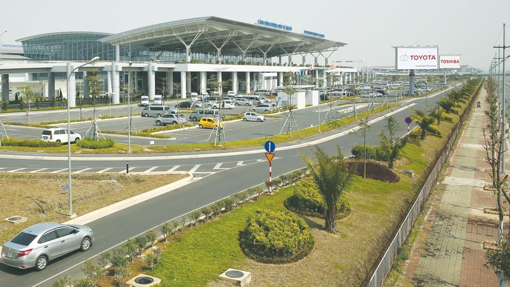 Cổ phần của Tổng công ty Cảng hàng không Việt Nam được nhiều nhà đầu tư đặc biệt quan tâm. Ảnh: Lê Tiên