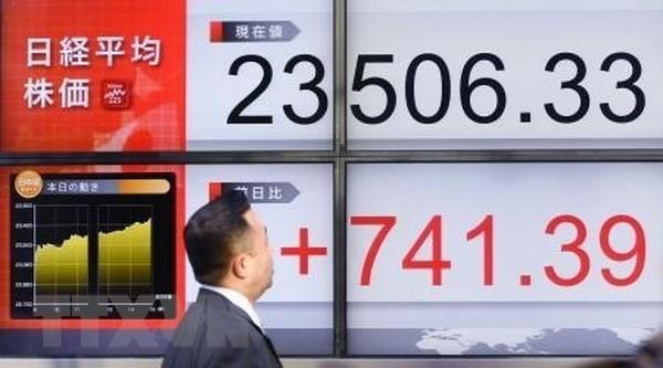 Bảng tỉ giá chứng khoán tại thủ đô Tokyo, Nhật Bản. (Nguồn: Kyodo/TTXVN)