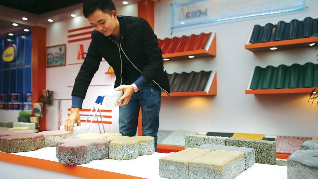 Tỷ lệ vật liệu xây không nung thay thế gạch đất sét nung đã đạt 28%, tiệm cận mục tiêu đến năm 2020. Ảnh: Tiên Giang