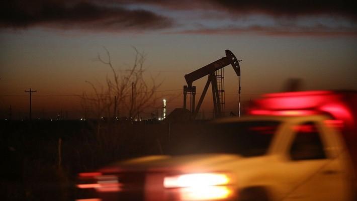 Máy bơm dầu đang hoạt động trên một mỏ dầu ở Andrew, Texas, Mỹ - Ảnh: Getty/Market Watch.