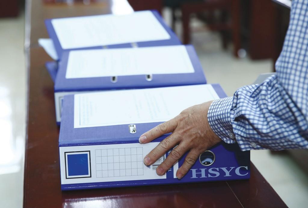 Viện cớ là gói thầu nhỏ, đơn vị tư vấn chỉ chuẩn bị 5 - 6 bộ HSYC nên không đủ để bán cho nhà thầu. Ảnh: Nhã Chi