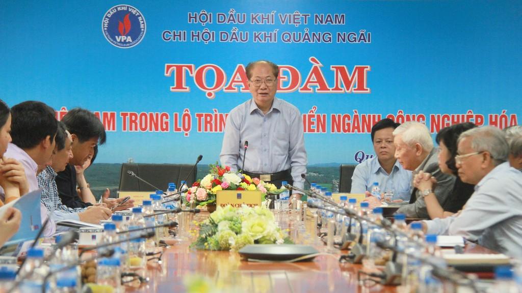 Chủ tịch Hội Dầu khí Việt Nam Ngô Thường San phát biểu tại buổi tọa đàm