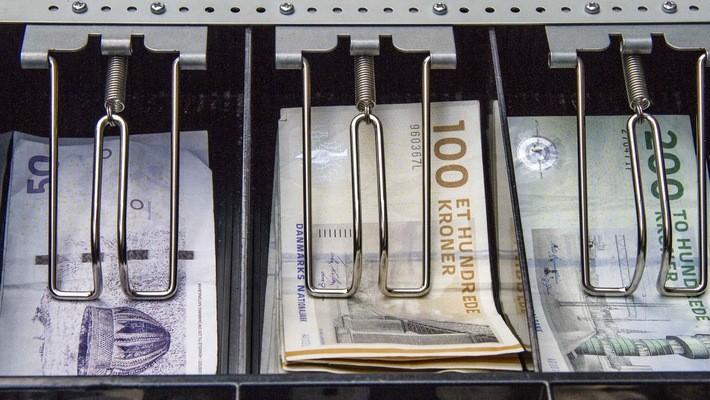 Tính tới tháng 3/2018, số tiền gửi tại ngân hàng trung ương của chính phủ Đan Mạch lên tới 207 tỷ Kroner (tương đương 34 tỷ USD).