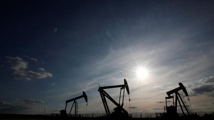Phần lớn sự tăng giá dầu trong năm nay là nhờ nỗ lực hạn chế sản lượng của OPEC và Nga - Ảnh: Reuters.