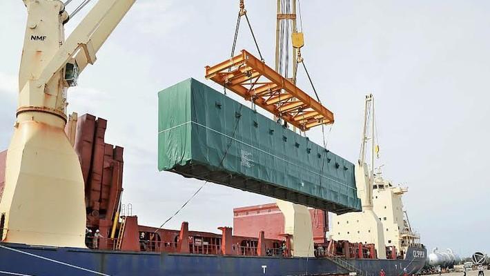 Trong những ngày nghỉ lễ vẫn có 4.460 doanh nghiệp trên toàn quốc có hoạt động xuất nhập khẩu.