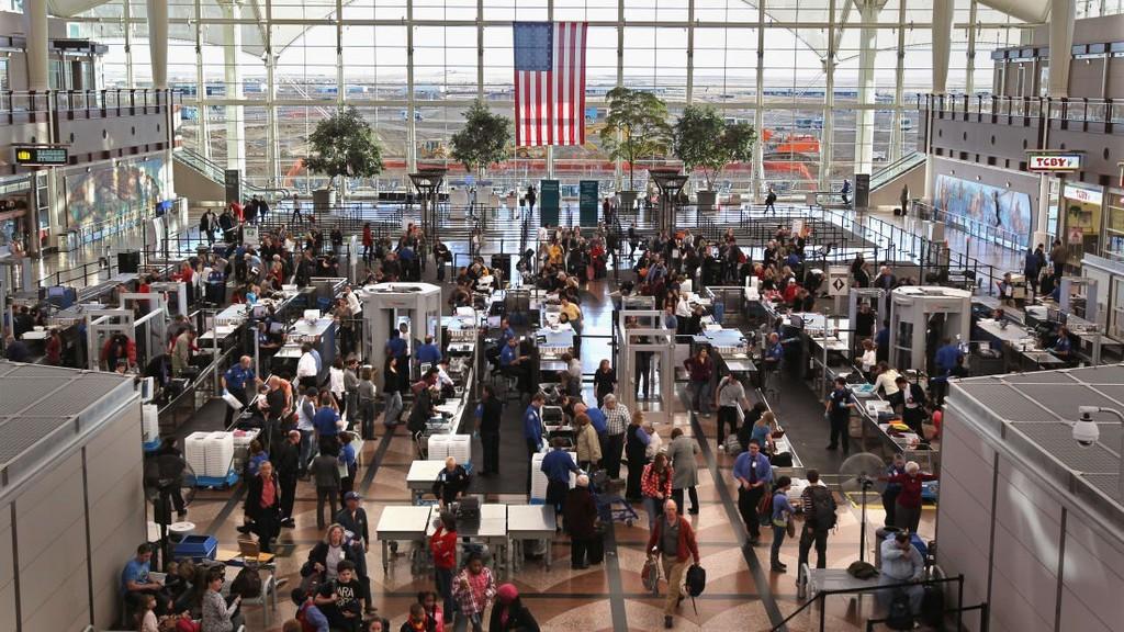10 sân bay đặc biệt nhất thế giới - ảnh 6