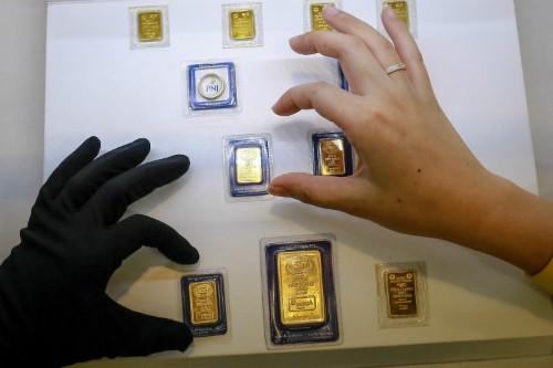 Giao dịch vàng miếng tại PNJ. Ảnh:Thành Nguyễn.