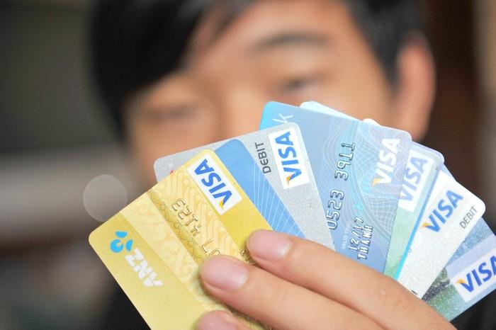 """Ngân hàng chạy đua phát hành thẻ là nguyên nhân có đến 55 triệu thẻ đã phát hành là """"rác"""" - Ảnh: T.ĐẠM"""