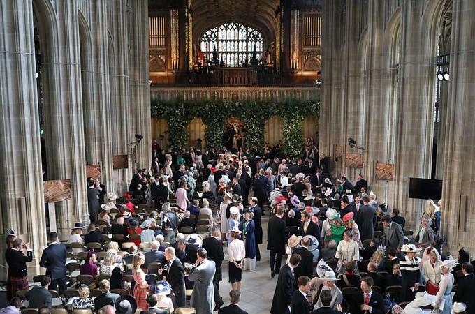 Những khoảnh khắc ấn tượng trong lễ cưới Hoàng tử Anh - ảnh 4