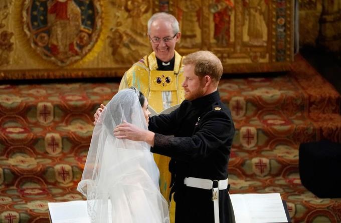 Những khoảnh khắc ấn tượng trong lễ cưới Hoàng tử Anh - ảnh 14