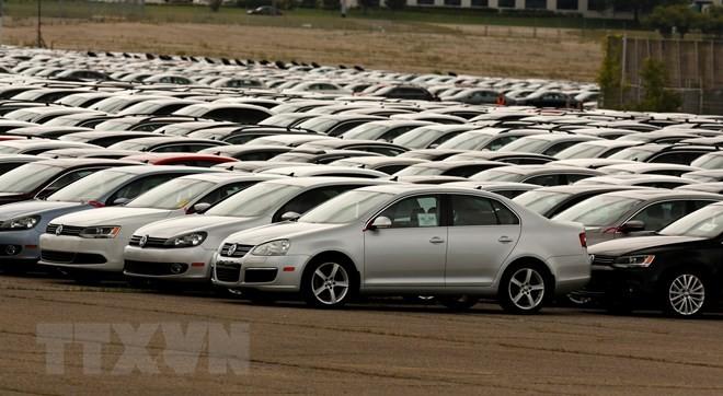 Ôtô của Tập đoàn Volkswagen và Audi tại một bãi đỗ xe ở Michigan, Mỹ. (Nguồn: AFP/TTXVN)