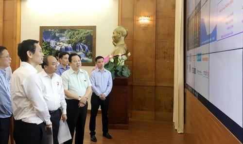 Thủ tướng thị sát, kiểm tra tình hình xây dựng hệ thống công nghệ thông tin của Ủy ban Quản lý vốn nhà nước tại doanh nghiệp. Ảnh: st