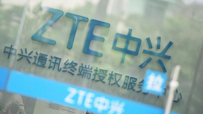 Bị cắt nguồn cung cấp linh kiện từ Mỹ, ZTE phải ngừng hầu hết các hoạt động chính - Ảnh: Reuters.