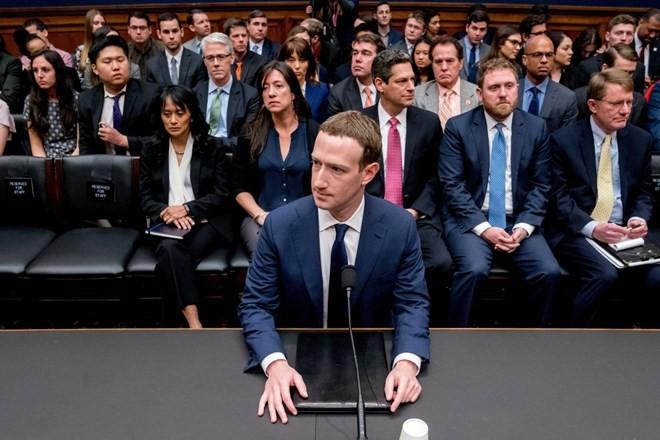CEO Facebook Mark Zuckerberg tại phiên điều trần trước ủy ban của Hạ viện Mỹ, hồi tháng 4. (Nguồn: AP)