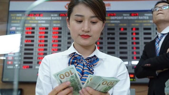 Theo Ủy ban Giám sát tài chính Quốc gia, tính đến cuối tháng 5, chỉ số USD Index đã tăng 3,4% so với cuối tháng 4 và tăng mạnh 6,5% so với mức đáy hồi đầu tháng 2/2018. Trong khi đó, tỷ giá USD/VND của các ngân hàng thương mại chỉ tăng khoảng 0,63% - Ảnh: