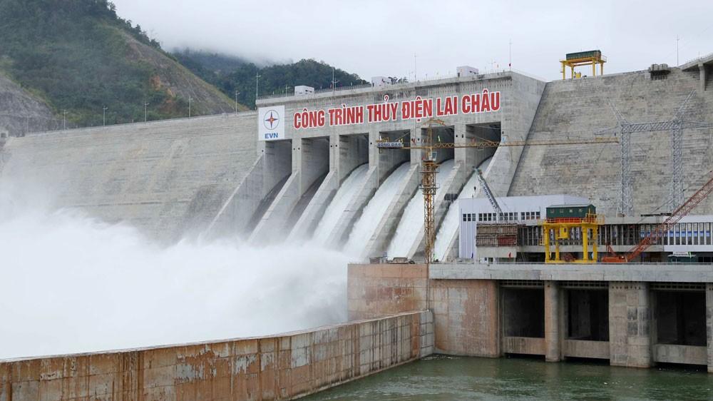 Thủy điện Lai Châu là công trình thủy điện lớn thứ ba của Việt Nam được xây dựng trên dòng chính sông Đà