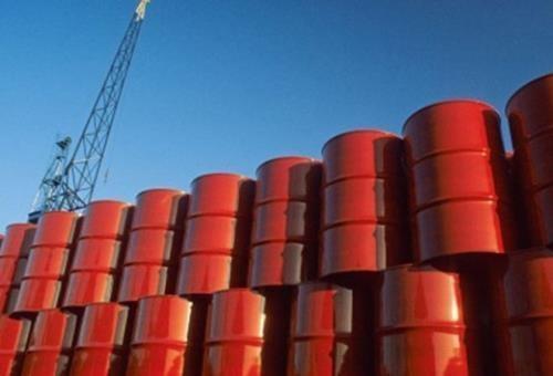 Giá dầu thế giới tiếp tục tăng. Ảnh: AP/TTXVN