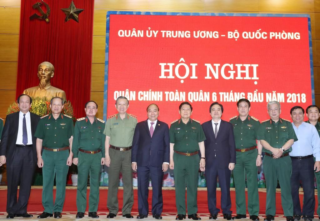 Chùm ảnh: Thủ tướng dự Hội nghị Quân chính toàn quân - ảnh 5