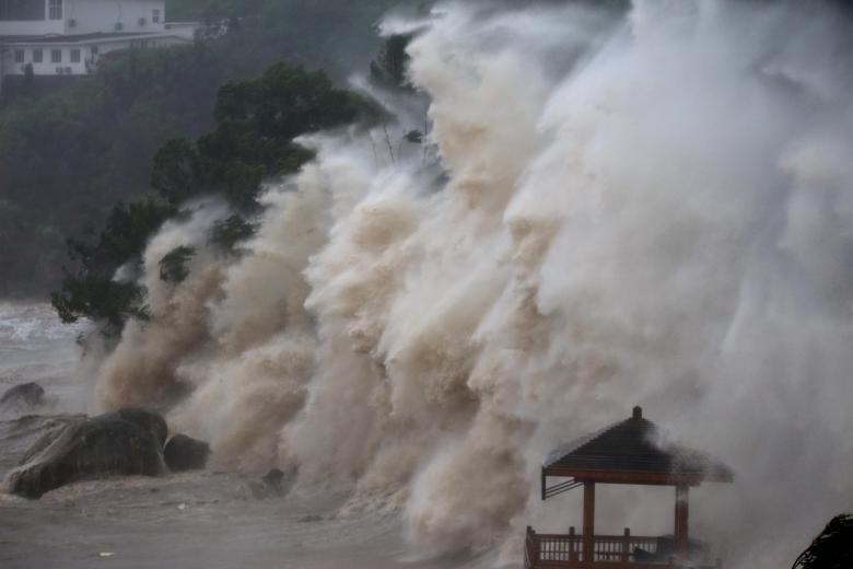 Hình ảnh tan hoang sau khi siêu bão Maria đổ bộ Trung Quốc - ảnh 1