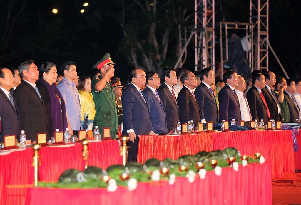 Thủ tướng: Kiên quyết bảo vệ thành quả cách mạng đã giành được - ảnh 1
