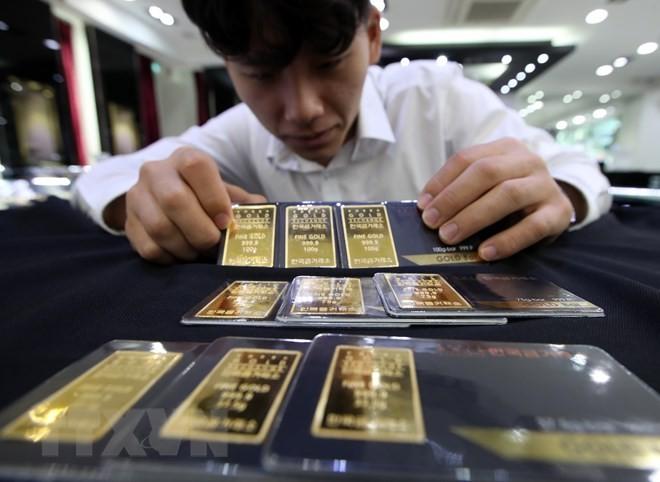 Tại sàn giao dịch vàng Hàn Quốc ở Seoul ngày 13/8. (Nguồn: YONHAP/TTXVN)