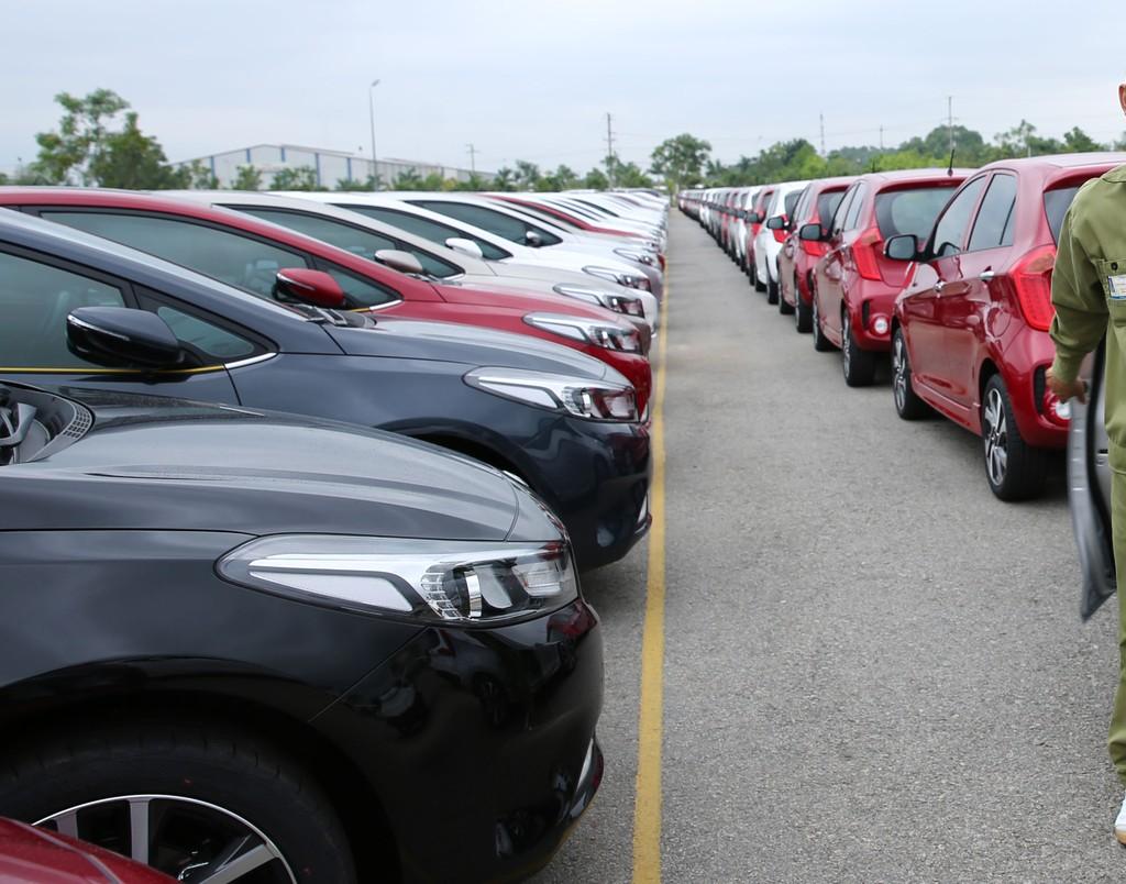 Tổng sản lượng tiêu thụ ô tô trong nửa đầu năm 2018 giảm 6,85% so với cùng kỳ năm ngoái. Ảnh: Lê Tiên
