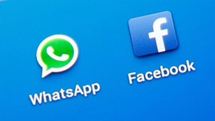 Cả ứng dụng nhắn tin WhatsApp và mạng xã hội Facebook đều đang bị chặn ở Trung Quốc - Ảnh: Reuters.
