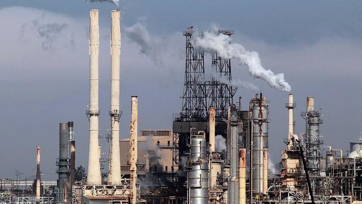 Tuy nhiên, trên thị trường dầu lửa hiện nay vẫn có những yếu tố cản trở sự tăng giá.