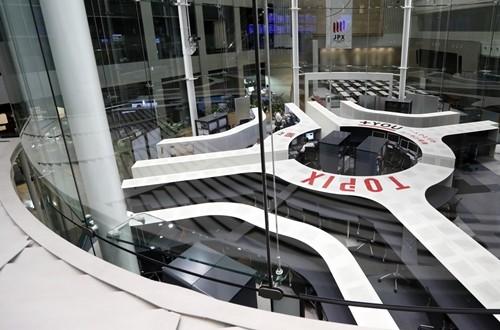 Bên trong Sàn giao dịch chứng khoán Tokyo (Nhật). Ảnh:Bloomberg