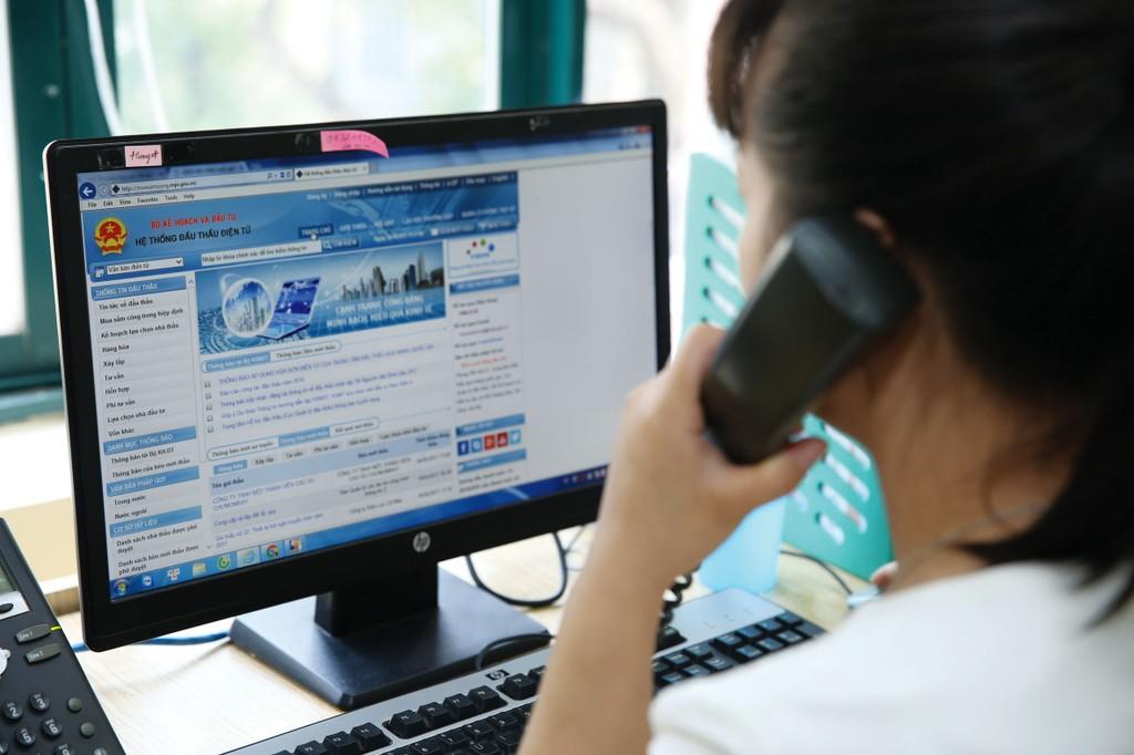 Việc đăng ký thi sát hạch cấp chứng chỉ hành nghề hoạt động đấu thầu sẽ được thực hiện trên Hệ thống mạng đấu thầu quốc gia. Ảnh: Lê Tiên