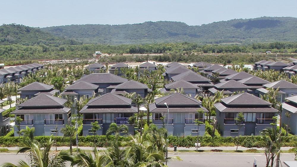 Các chủ đầu tư thường thực hiện phương thức bán căn hộ condotel với cam kết lợi nhuận phổ biến từ 8 - 12%/năm trong 8 - 12 năm. Ảnh: Tường Lâm